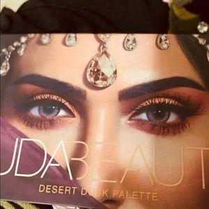 Huda Beauty desert dusk palette. Lightly used. $25